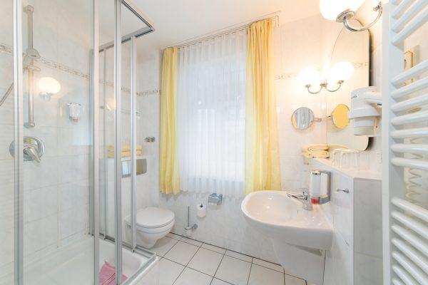 Appartements Binz Rügen – Bad im Ferienhaus Villa Mona Lisa – Fewo online buchen