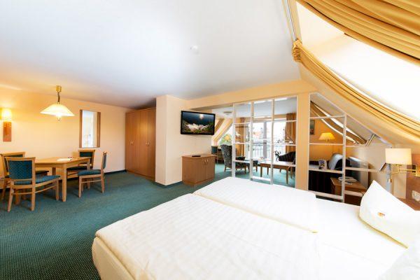 Ausstattung der Junior Suite mit Balkon und Meerblick im Centralhotel Binz auf Rügen