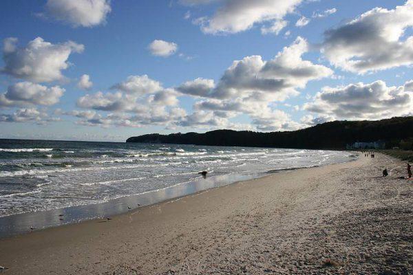 Strandspaziergang im Ostseebad Binz auf Rügen – Angebot Urlaub Rügen – Familienurlaub an der Ostsee
