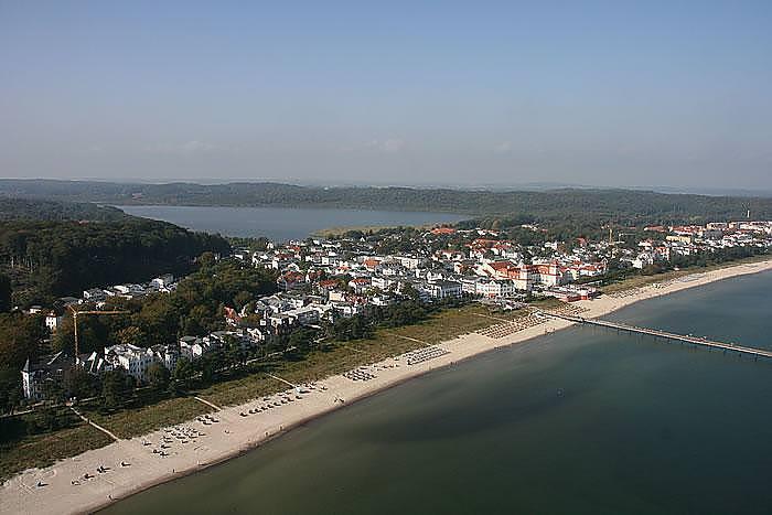 Urlaub an der Ostsee in Binz auf Rügen – Luftbild vom Seebad mit Strand und Seebrücke – günstige Zimmer im Centralhotel Binz