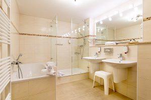 Ostseebad Binz auf der Insel Rügen – Badezimmer in der Suite des Centralhotels