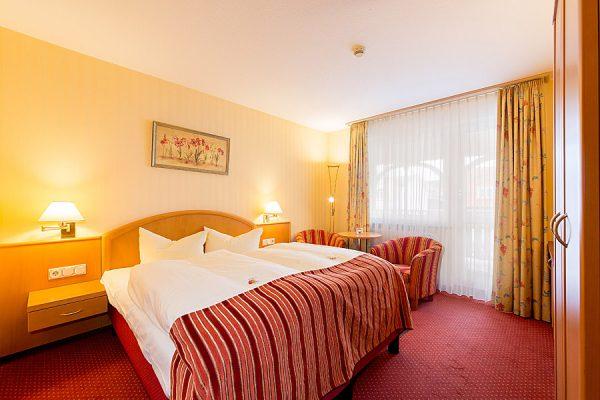 Binz auf der Insel Rügen an der Ostsee – Doppelzimmer mit Balkon im 3 Sterne Centralhotel