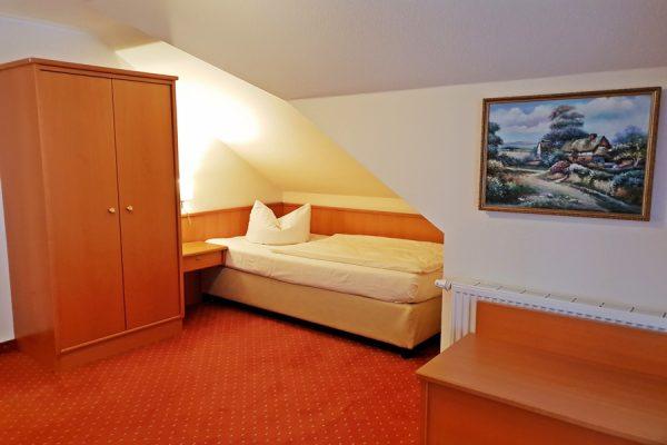 2-Raum-Appartement-Schlafzimmer-301