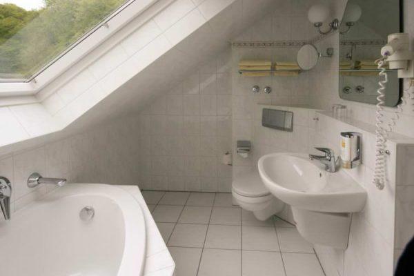 badezimmer-2-raum-apartment-villa-mona-lisa-binz-ruegen