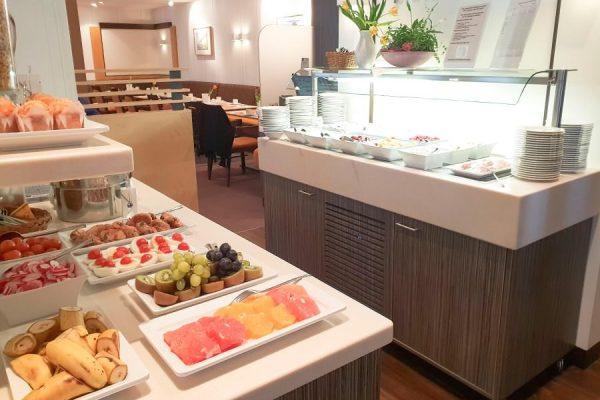 Büfett-Essen im Restaurant Plattdüütsch im Ostseebad Binz auf Rügen