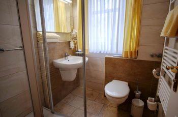 Badezimmer vom 2-Raum-Appartement der Villa Mona Lisa im Ostseebad Binz auf Rügen