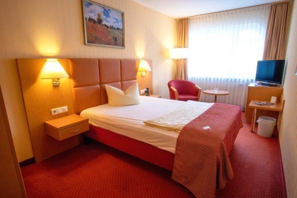 Einzelzimmer mit Balkon im Centralhotel in Binz auf Rügen