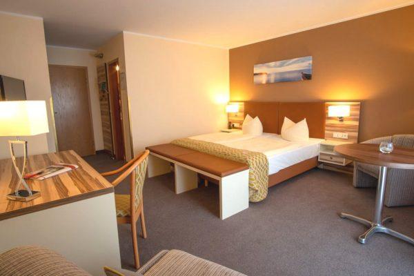 Balkon-Doppelzimmer im Centralhotel Binz auf der Insel Rügen
