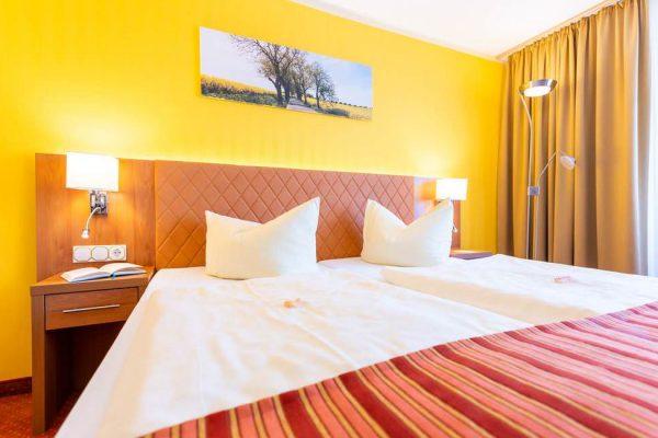 ostseeurlaub-centralhotel-binz-ruegen-suite-doppelbett