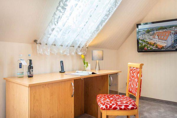 Schreibtisch der Suite im Centralhotel Binz auf der Insel Rügen