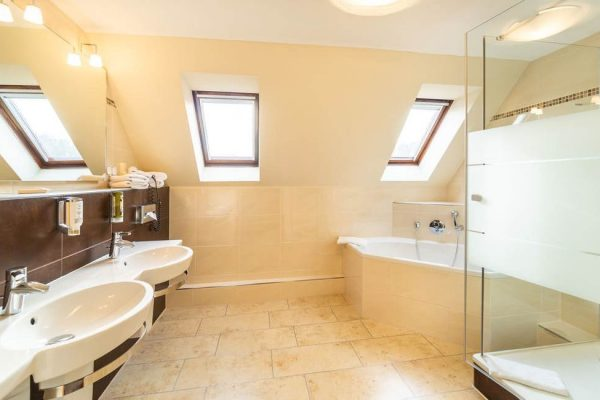 Bad der Suite im Centralhotel Binz auf der Insel Rügen