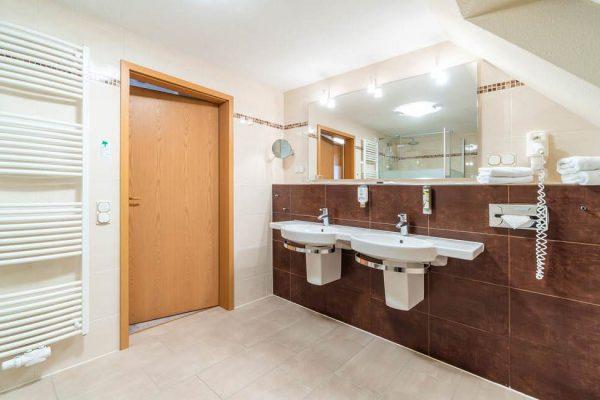 Bad des Suite Appartements im Centralhotel Binz auf der Insel Rügen