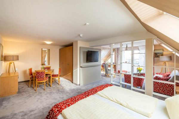 zimmer-mit-meerblick-junior-suite-centralhotel-binz-auf-ruegen